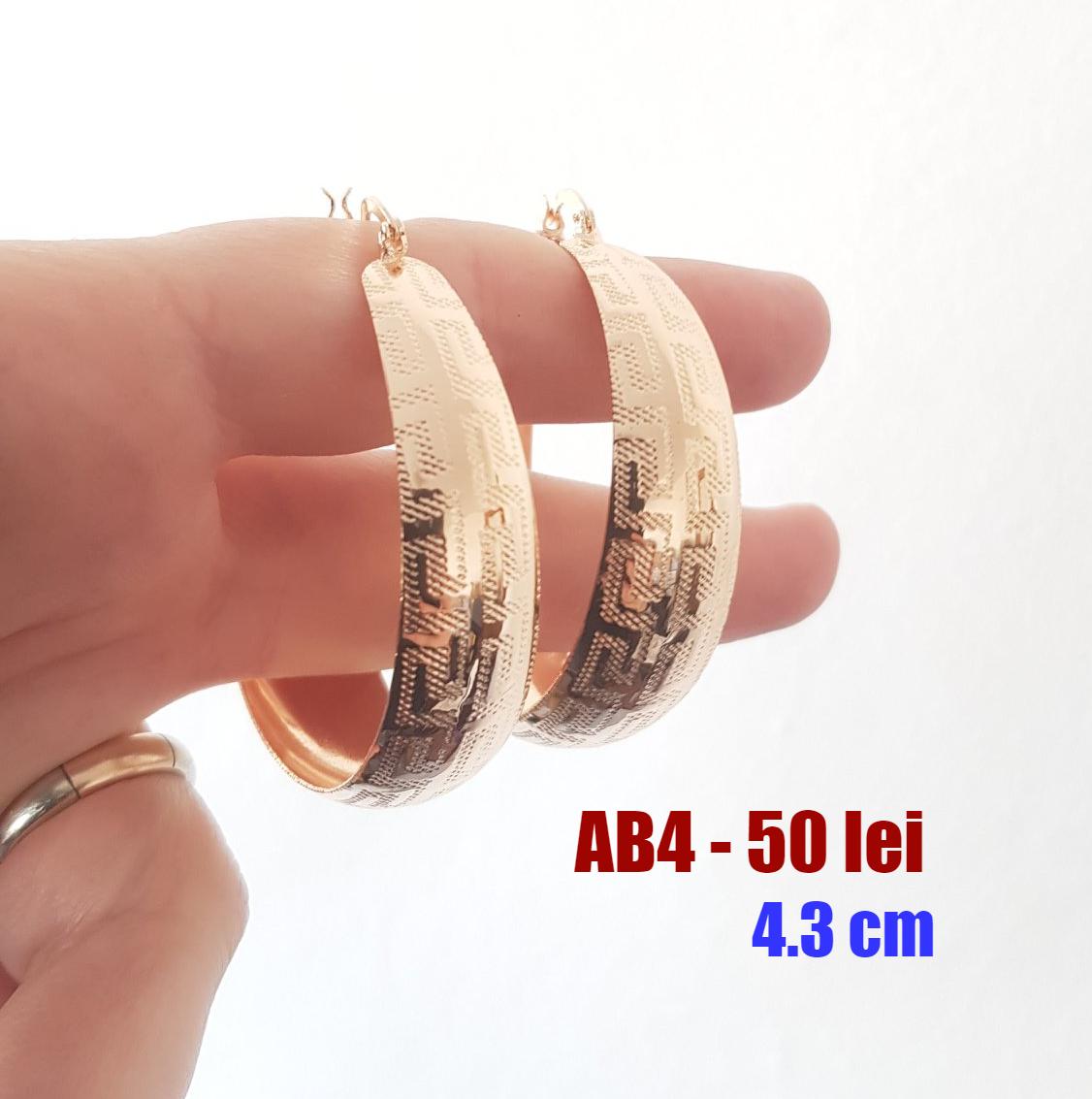 - Cercei in culoarea aurului de 18K - 4.3 cm - AB04