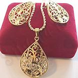 Cadouri Femei 1-8 Martie - Set cercei, pandantiv si lant in culoarea aurului 14K - ZS611A
